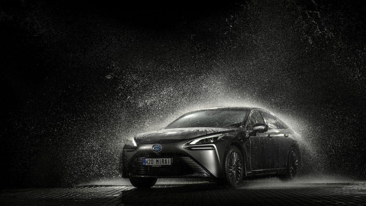 V Česku začal prodej historicky prvního auta na vodík